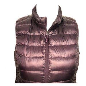 Import - XL puffer vest maroon like new